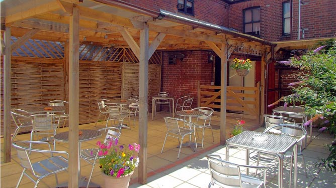 The Garden in the Beehive Pub Norwich | Norwich CAMRA Pub of the year 2015